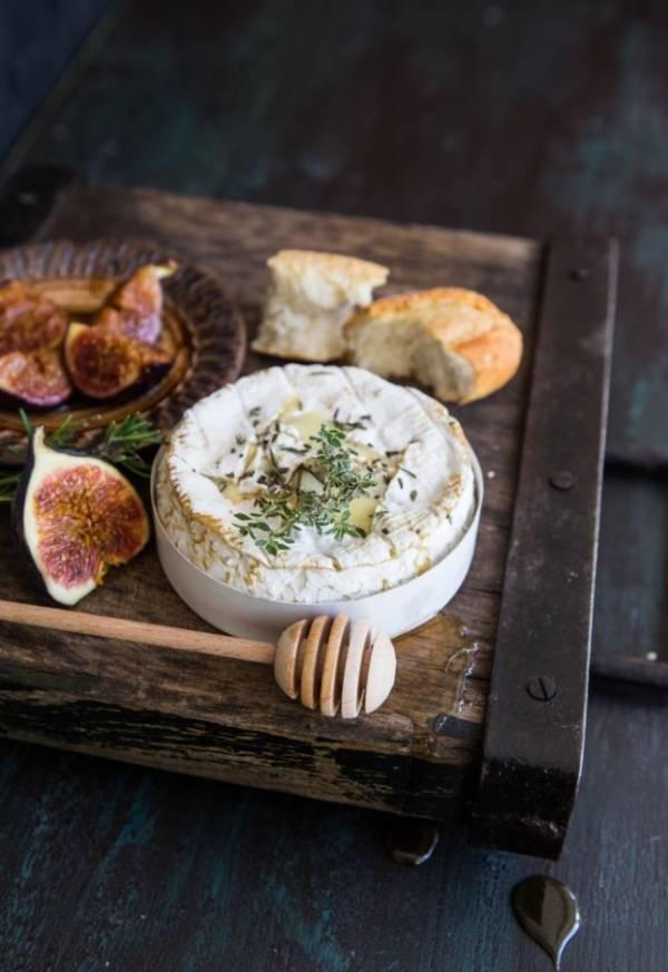کممبرت با آجیل 1 - طرز تهیه پنیر کممبرت با آجیل
