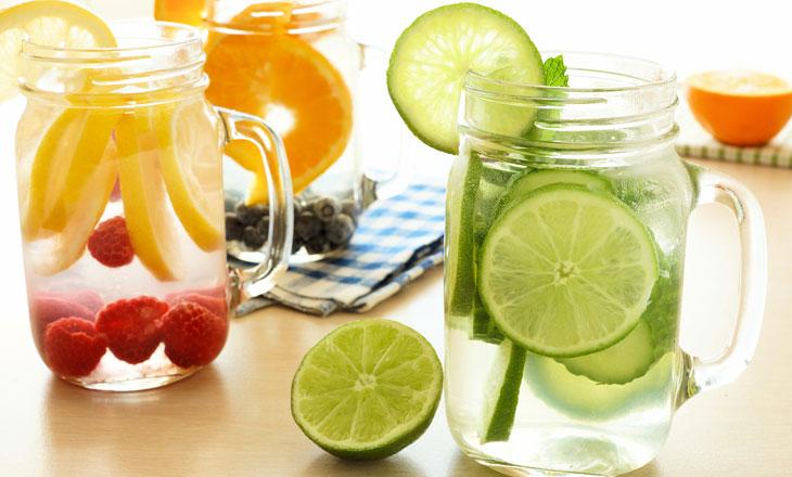 1478541005 detox water - مهمان ها رو با یک آب طعم دار میوه ای سورپرایز کن