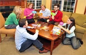 download - چگونه در مهمانی های خانوادگی یک بازی انتخاب کنیم