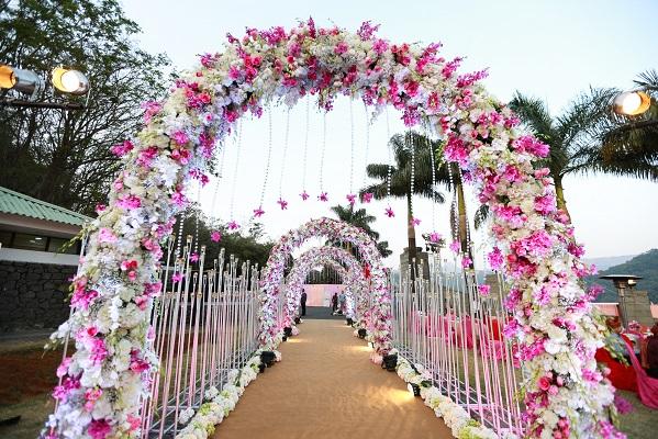 000003 - گل آرایی تشریفات عروسی چگونه باید باشد