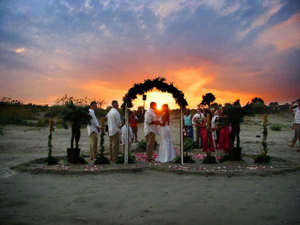 10اشتباهی که در برنامه ریزی یک عروسی فضای باز نباید مرتکب شوید 2 - 10 اشتباهی که نباید هنگام برگزاري عروسی در فضای باز مرتکب شوید