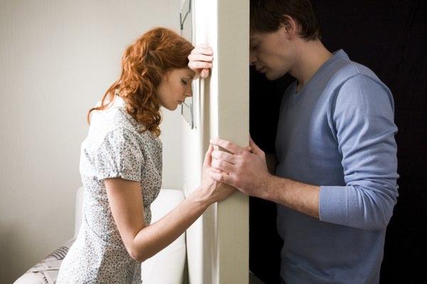 5مشاجره ای که زوج ها حین برنامه ریزی عروسی دارند و نحوه ی جلوگیری از آنها 2 - 5 مشاجرهای که زوجها حین برنامهریزی عروسی دارند و نحوهی جلوگیری از آنها