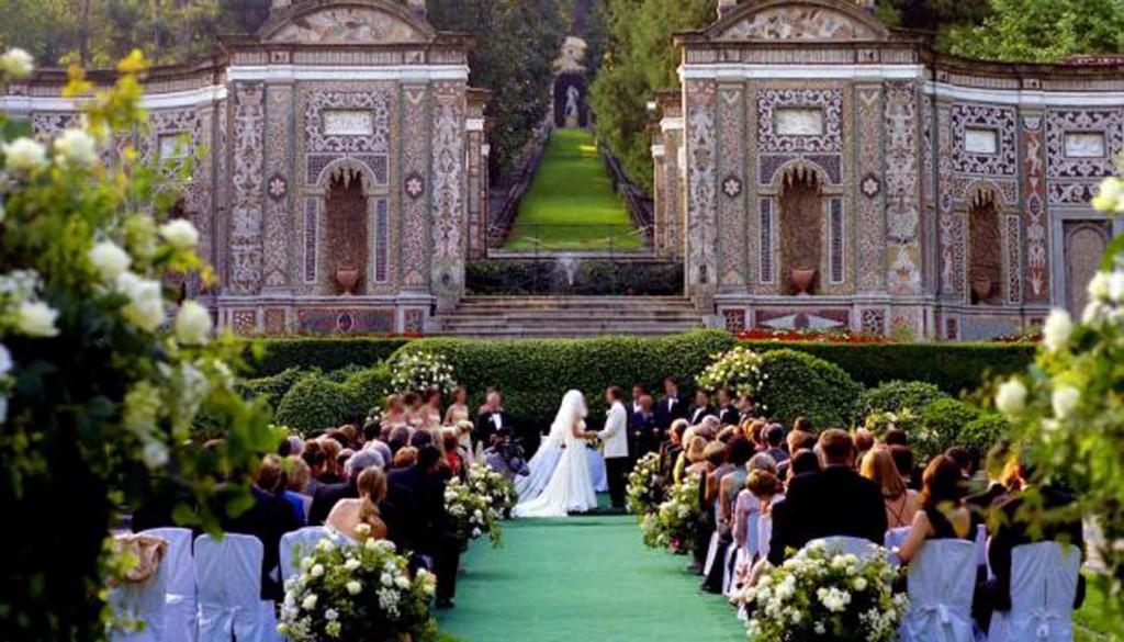 555 1024x585 - مجللترین تالارهای عروسی دنیا