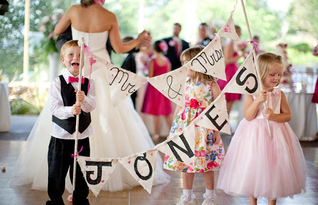 Entertaining kids at weddings 6 - نکته هایی  براي مهمانان عروسي