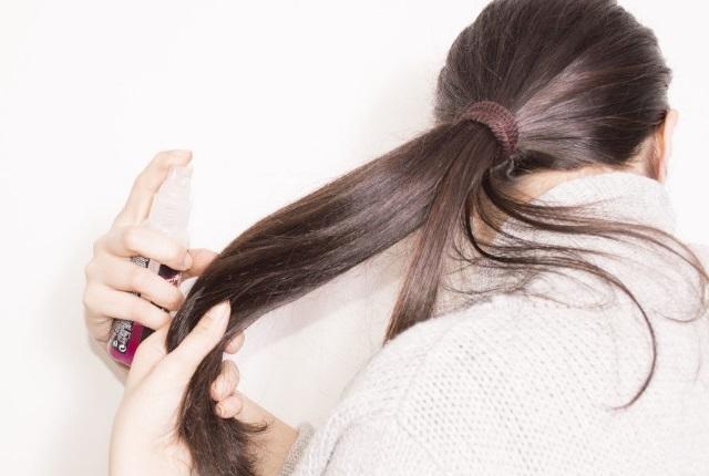 Hair Serum At Hair Ends - نکاتی برای داشتن موهایی بلند برای روز عروسیتان
