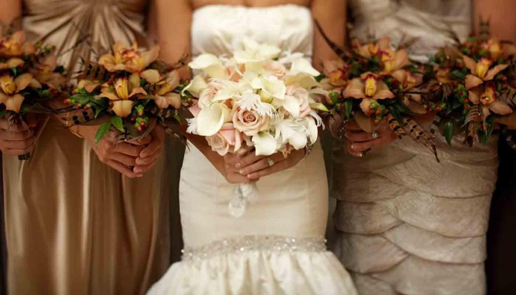 cost of wedding flowers 2 1024x585 - مدلهایی زیبا برای دسته گل عروس
