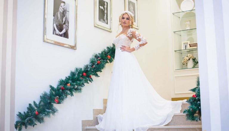devushka krasotka nevesta 5438 768x439 - چگونه لباس عروس مناسب بدن خود را پیدا کنیم؟