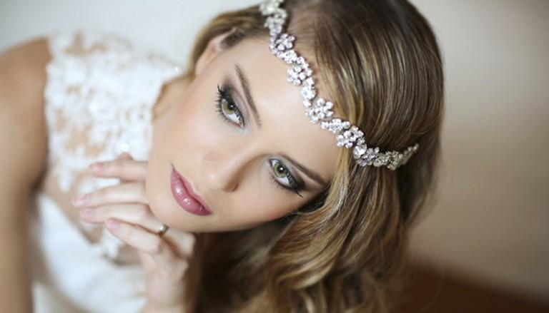 nevesta portret volosy makiyazh 768x439 - ۳ رنگ عالی برای مدل سایه چشم عروس
