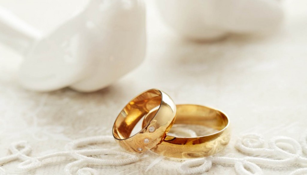 prazdnik svadba svadebnye 6581 1024x585 - حلقه های ازدواج و نکاتی که باید در مورد آن بدانیم