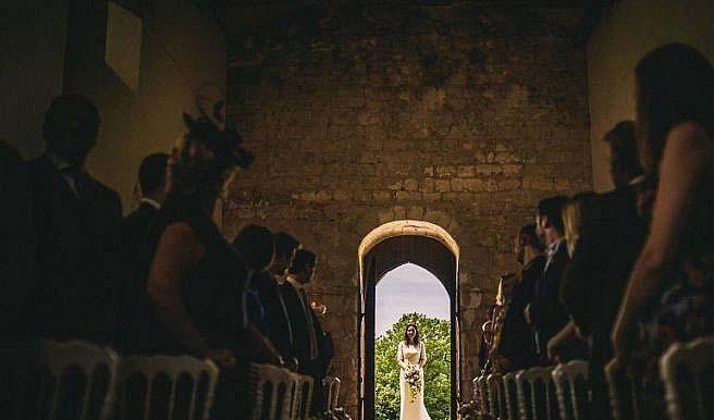 top best wedding photos of 2016 11 750x430 - نکته مهم برای عکاسی از مجالس جشن و عروسی