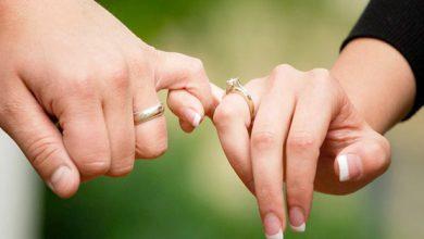 در دوران نامزدی 390x220 - هدیه هایی که در سالگرد نامزدی همسرتان را غافلگیر خواهد کرد