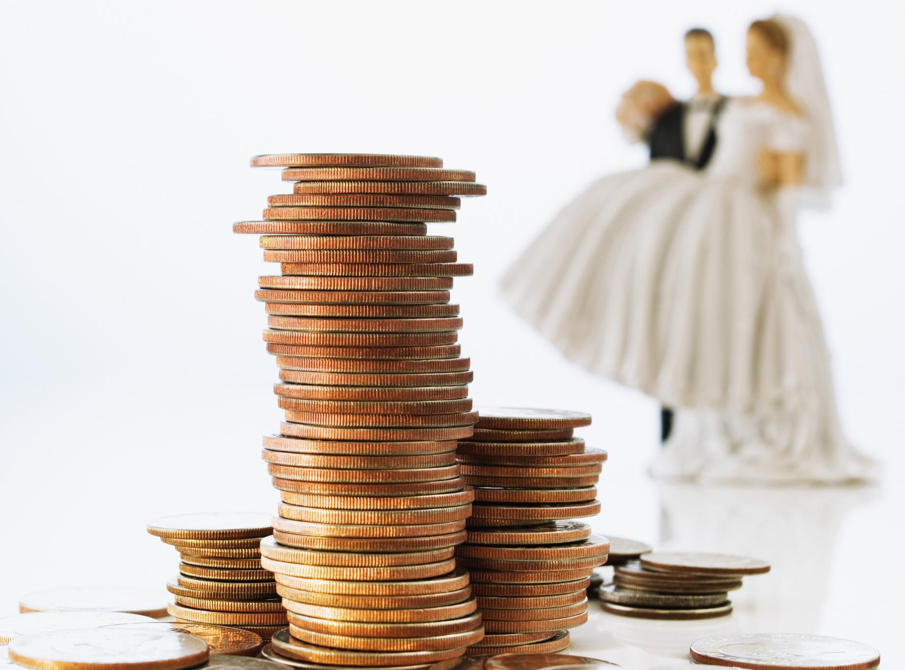 3. 4 Hal Terpenting dalam Manajemen Keuangan Pasangan Baru 2 - مراقب این اشتباهات در جشن عروسی خود باشید!