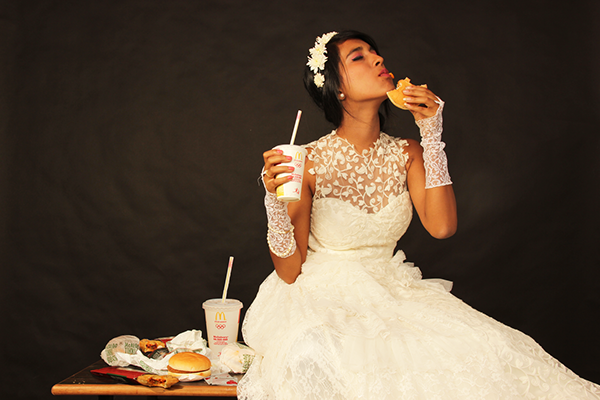 af6cfe16816297.562b1a8a90ae4 - چطور استرس مان را در روز عروسی کنترل کنیم و از این روز لذت ببریم