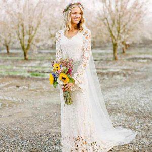 make it easy for petite bride 300x300 - بهترین لباس عروس برای افراد قد کوتاه کدام ها هستند؟