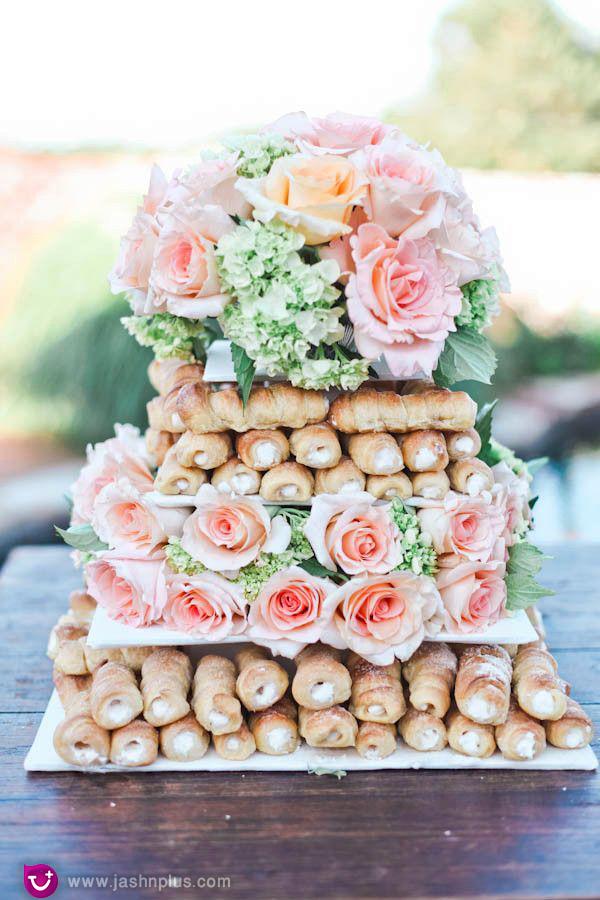 عروسی۱۱ - شیرینی عروسی خود را به شکل کیک بچینید