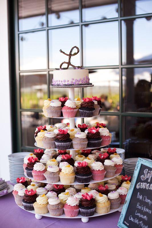عروسی۱۹ - شیرینی عروسی خود را به شکل کیک بچینید