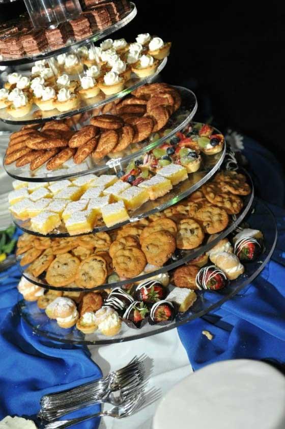 عروسی۶ - شیرینی عروسی خود را به شکل کیک بچینید