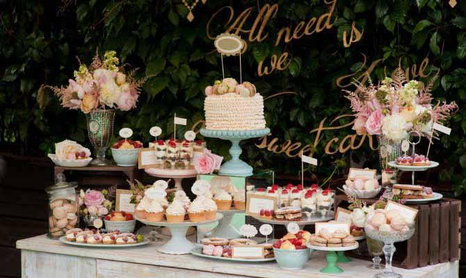 دسر عروسی 12 - چینش زیبای میز دسر عروسی برای عروس خانم های ایرانی