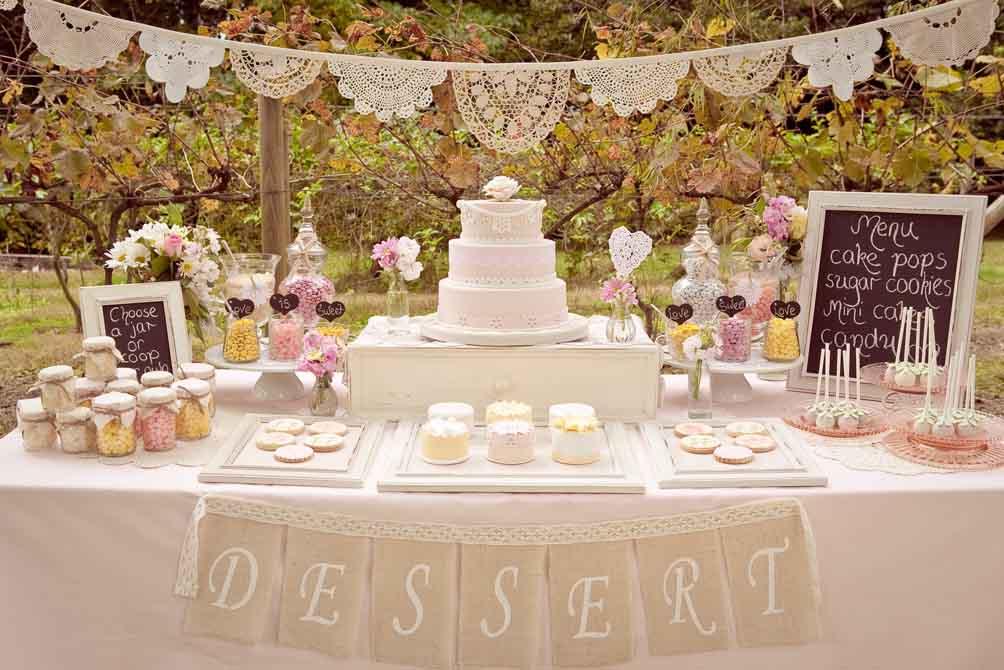 دسر عروسی 16 - چینش زیبای میز دسر عروسی برای عروس خانم های ایرانی