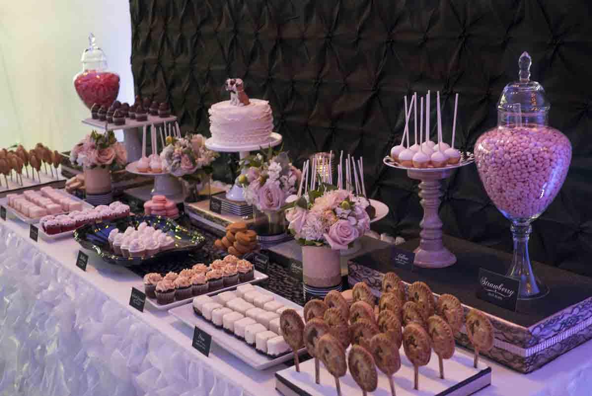 دسر عروسی 7 - چینش زیبای میز دسر عروسی برای عروس خانم های ایرانی