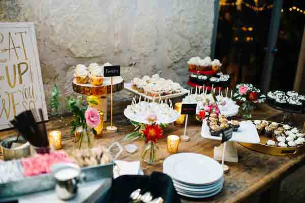 دسر عروسی 8 - چینش زیبای میز دسر عروسی برای عروس خانم های ایرانی