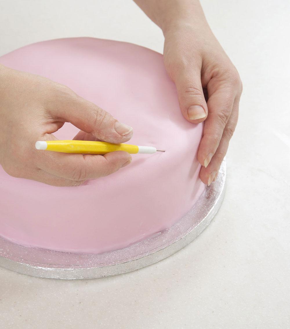 .jpg - آموزش تزیین کیک عروسی در منزل