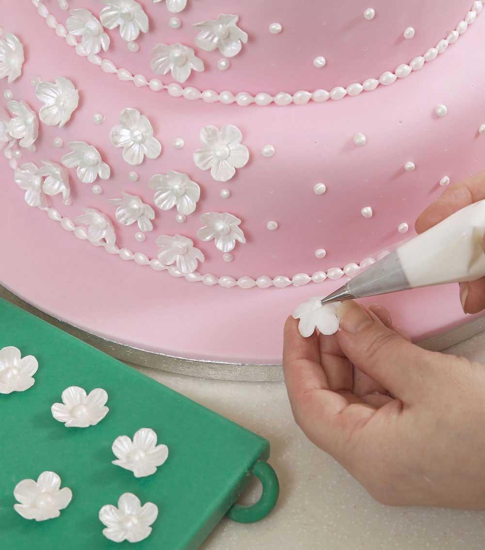 ۸ - آموزش تزیین کیک عروسی در منزل