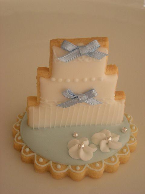 4fe5d87a14b6d14f933b40ee2c843911 - انواع جالب شیرینی جشن عروسی برای پذیرایی از مهمانان