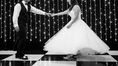 bride grooms first dance studios fischer 390x220 - چرا رقص دو نفره عروس و داماد مهم است؟