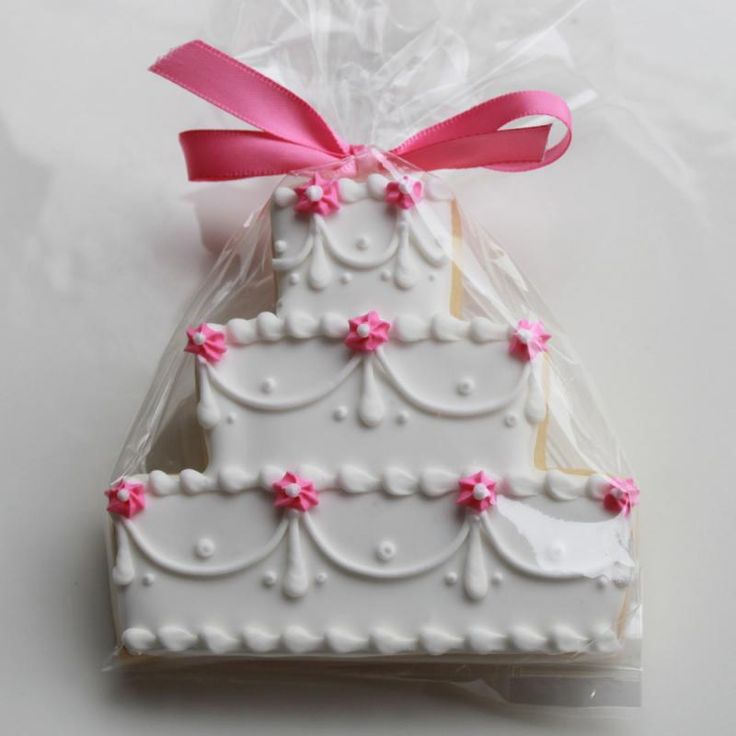 ca392617ac67f1488b342c1caf94c4ad - انواع جالب شیرینی جشن عروسی برای پذیرایی از مهمانان