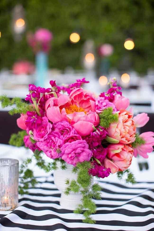colorful palm spring wedding centerpieces ideas - ۲۳ ایدهی جالب برای گل آرایی مراسم عروسی
