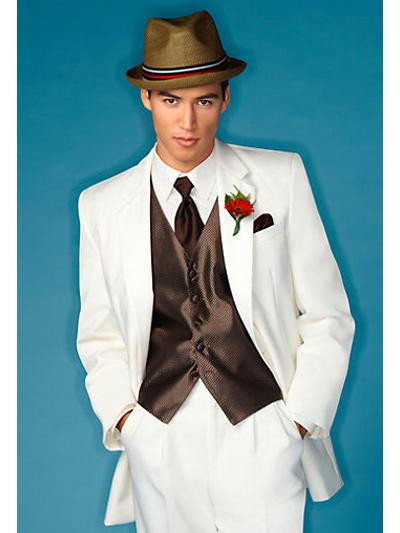 d70a38fe 2808 4cce a00b e84852a20cbf rs 768 - ۵ مدل کت و شلوار کلاسیک مردانه برای آقا دامادها