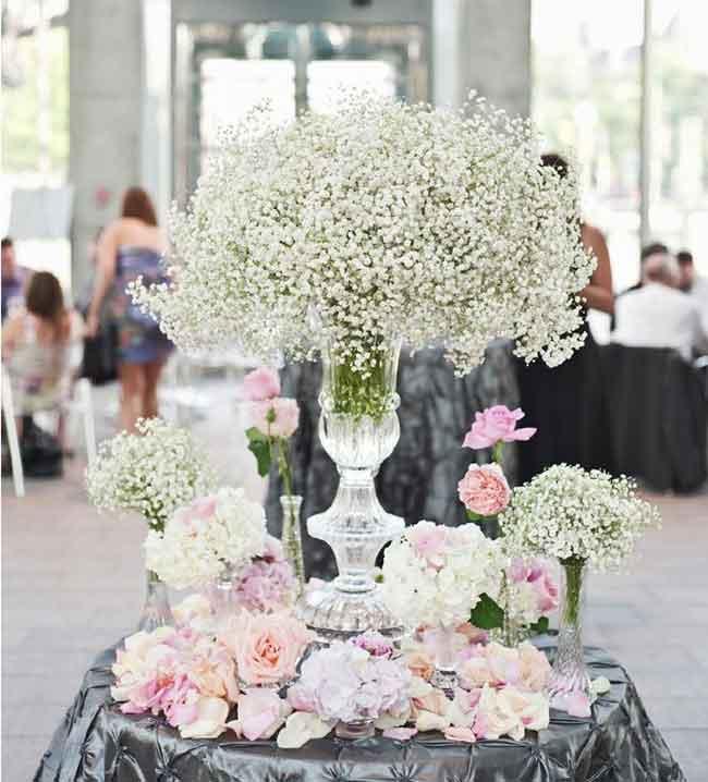 enchanting spring wedding centerpieces ideas of babybreath - ۲۳ ایدهی جالب برای گل آرایی مراسم عروسی