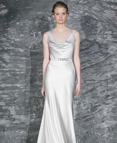jenny lee wedding dresses spring 2015 012 - چگونه لباس عروس مناسب بدن خود را پیدا کنیم؟