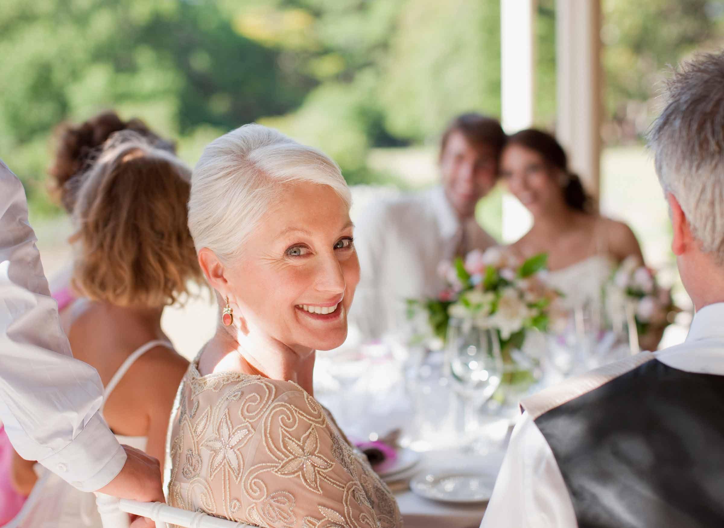 mother of the groom 4 - خلاصهای از وظایف رسمی مادر داماد
