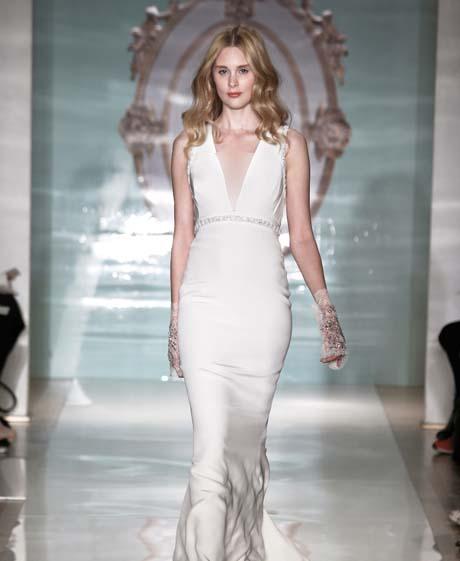 reem acra wedding dresses spring 2015 003 - چگونه لباس عروس مناسب بدن خود را پیدا کنیم؟