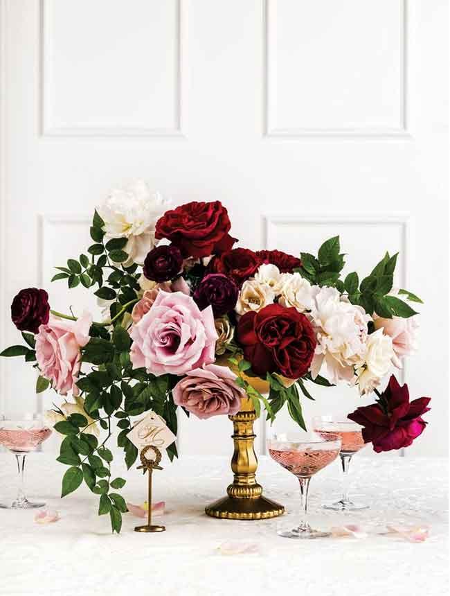 romantic garden rose wedding centerpieces for spring wedding - ۲۳ ایدهی جالب برای گل آرایی مراسم عروسی