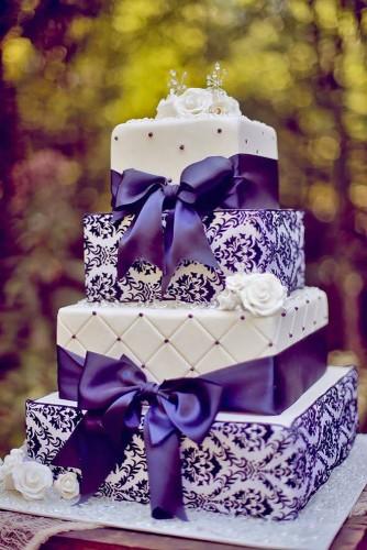 wedding cakes pictures star noir studio1 334x500 - ۱۱ مدل تزیین کیک عروس متفاوت و جذاب