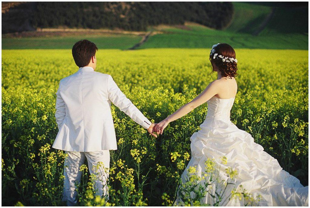 عروسی14 1024x687 - وسایل همراه عروس خانم که برای آرایشگاه مورد نیازه