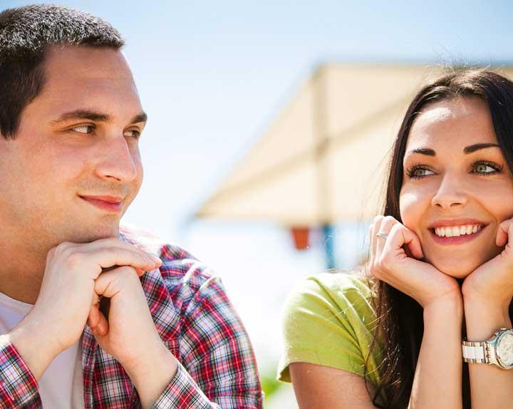 first date couple - ازدواج دانشجویی چیست