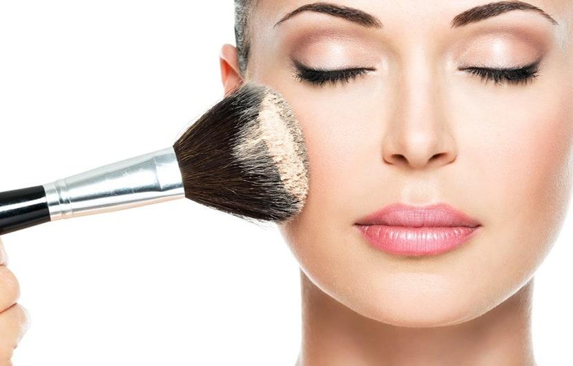 4 - انتخاب آرایش کامل صورت عروس بین چندین مدل آرایش صورت عروس