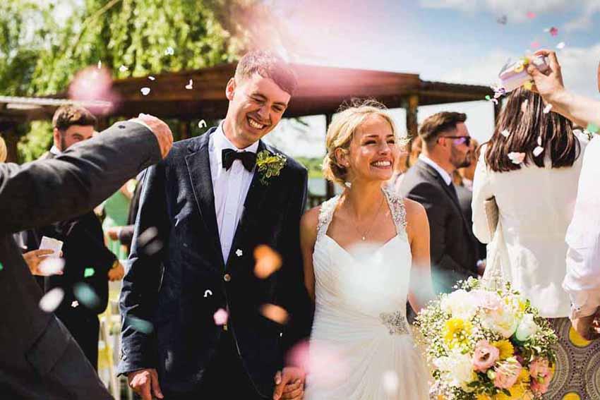1 - جشن عروسی در تابستان یکی از بهترین جشن ها