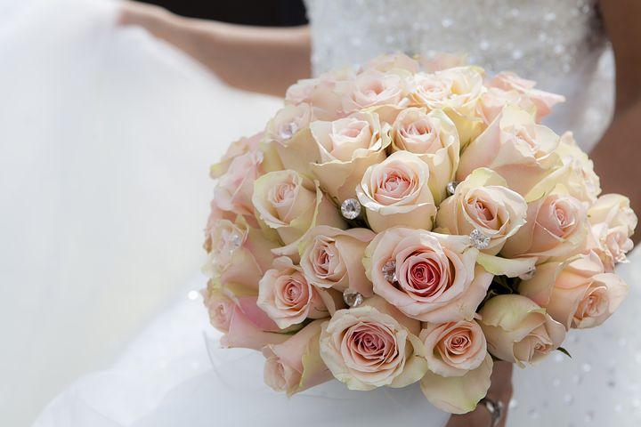 گل 2 - دسته گل عروس خانم ، ماشین عروس ، گل آرایی سفره عقد ،
