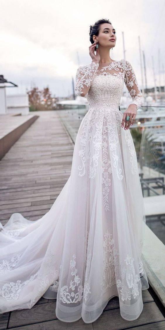 3 - لباس دنباله دار بهترین مدل لباس برای زیباتر شدن
