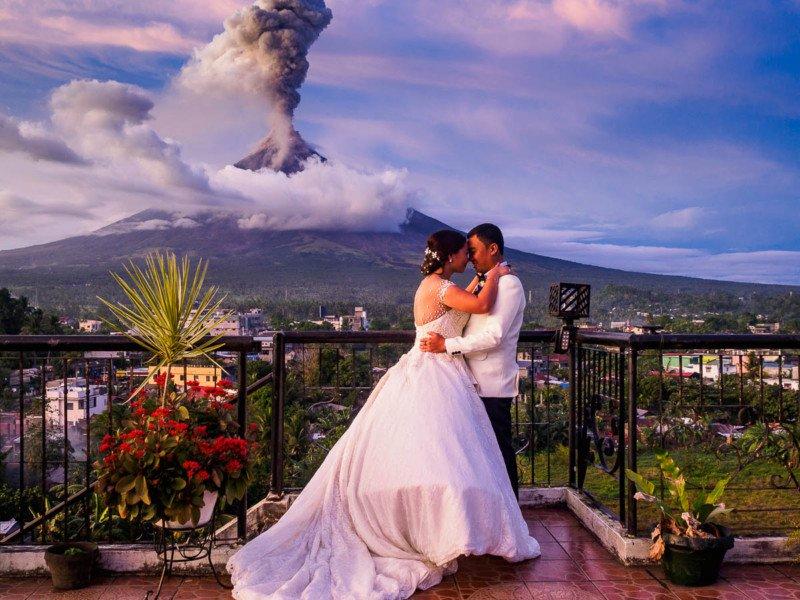 5 - آتلیه عکاسی عروس و داماد مناسب و فیلمبردار عروسی و عکاس عروسی مناسب