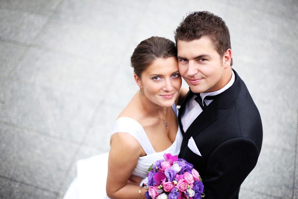 7 - برای تعیین تاریخ عروسی با مقاله ی زمان مناسب برگزاری عروسی همراه باشید.