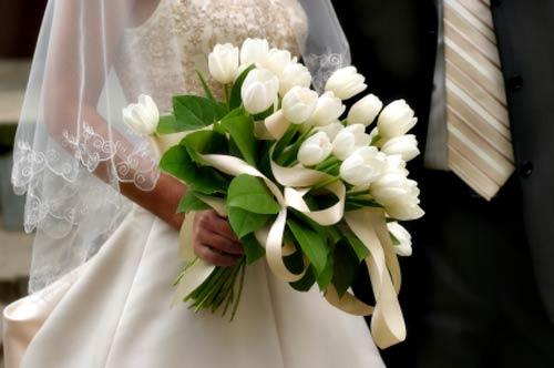 3 - دسته گل خواستگاری خاص یا سبد گل خواستگاری با گل مناسب ؟
