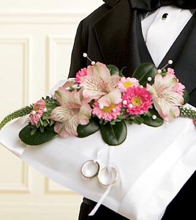 حلقه گل - دسته گل عروس خانم ، ماشین عروس ، گل آرایی سفره عقد ،