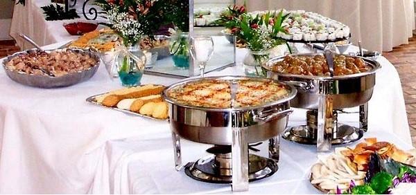 3 - نکات مهم برای غذای شام عروسی و تزیین میز شام عروسی