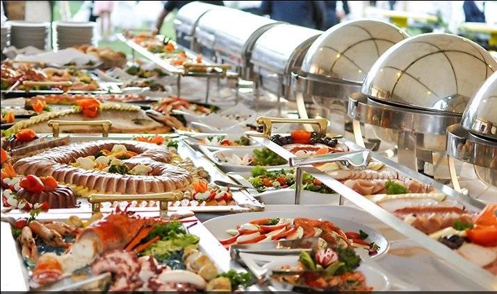 4 - نکات مهم برای غذای شام عروسی و تزیین میز شام عروسی